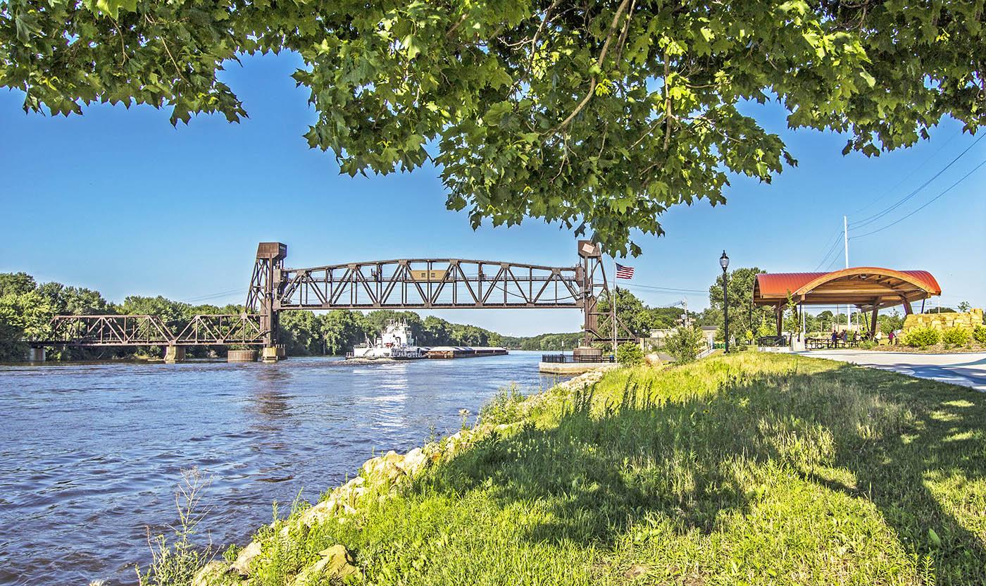 Hastings MN River Barg